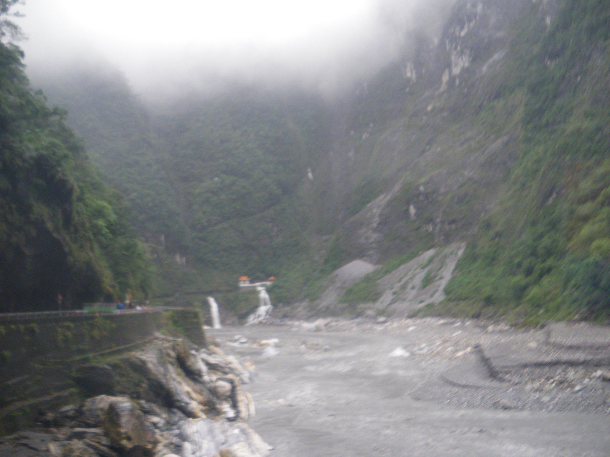 Jonny Blair Don't Stop Living at Taroko Gorge