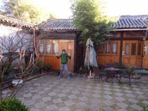 Jonny Blair at Zee Yau hostel in Shuhe Old Town the travelling Northern Irishman