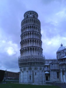 photo of the leaning tower of pisa from the back