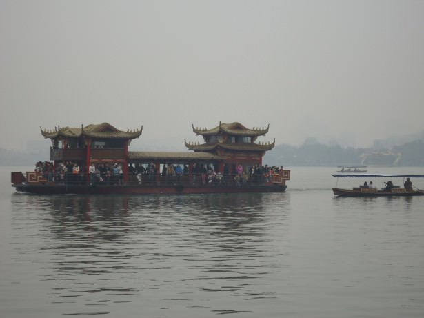 how to visit the west lake in Hangzhou China