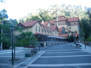 visiting the Jenolan Caves