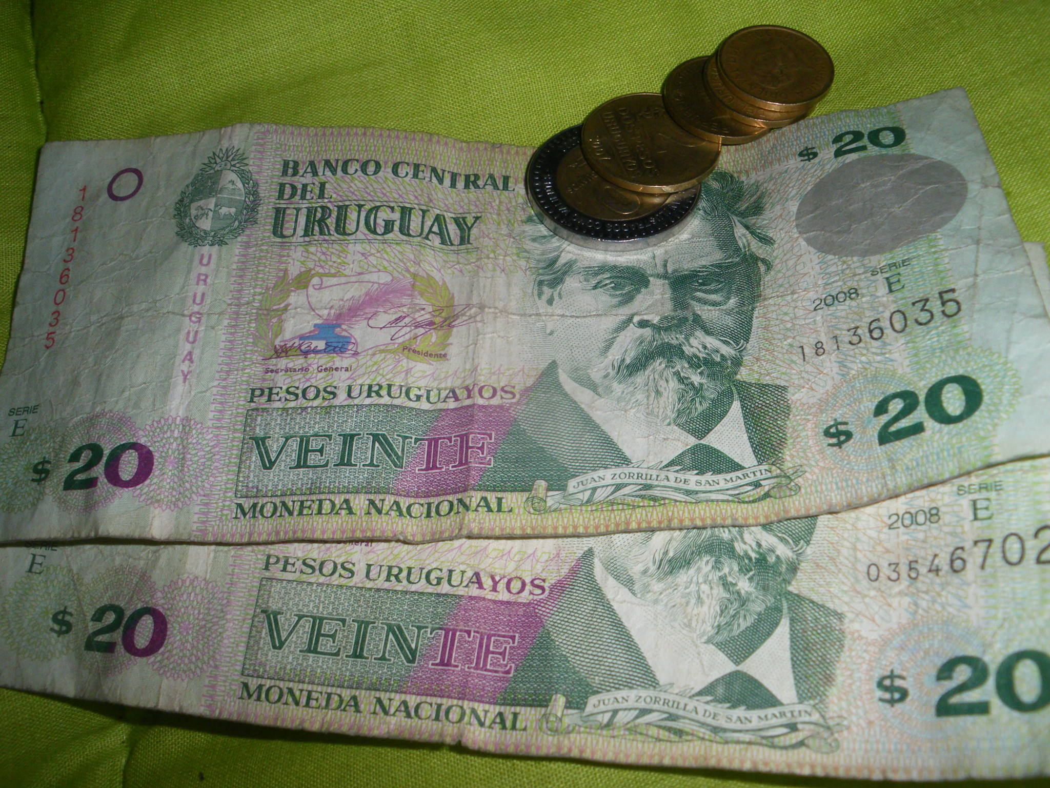 Uruguayann Pesos in Montevideo