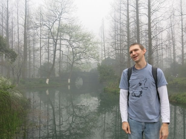 The West Lake in Hangzhou China is an excellent place to relax
