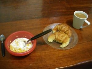 free breakfasts on your travels