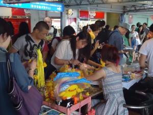 duck souvenirs in tsim sha tsui hong kong