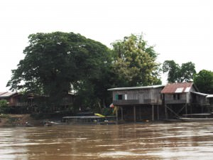 don det by boat laos