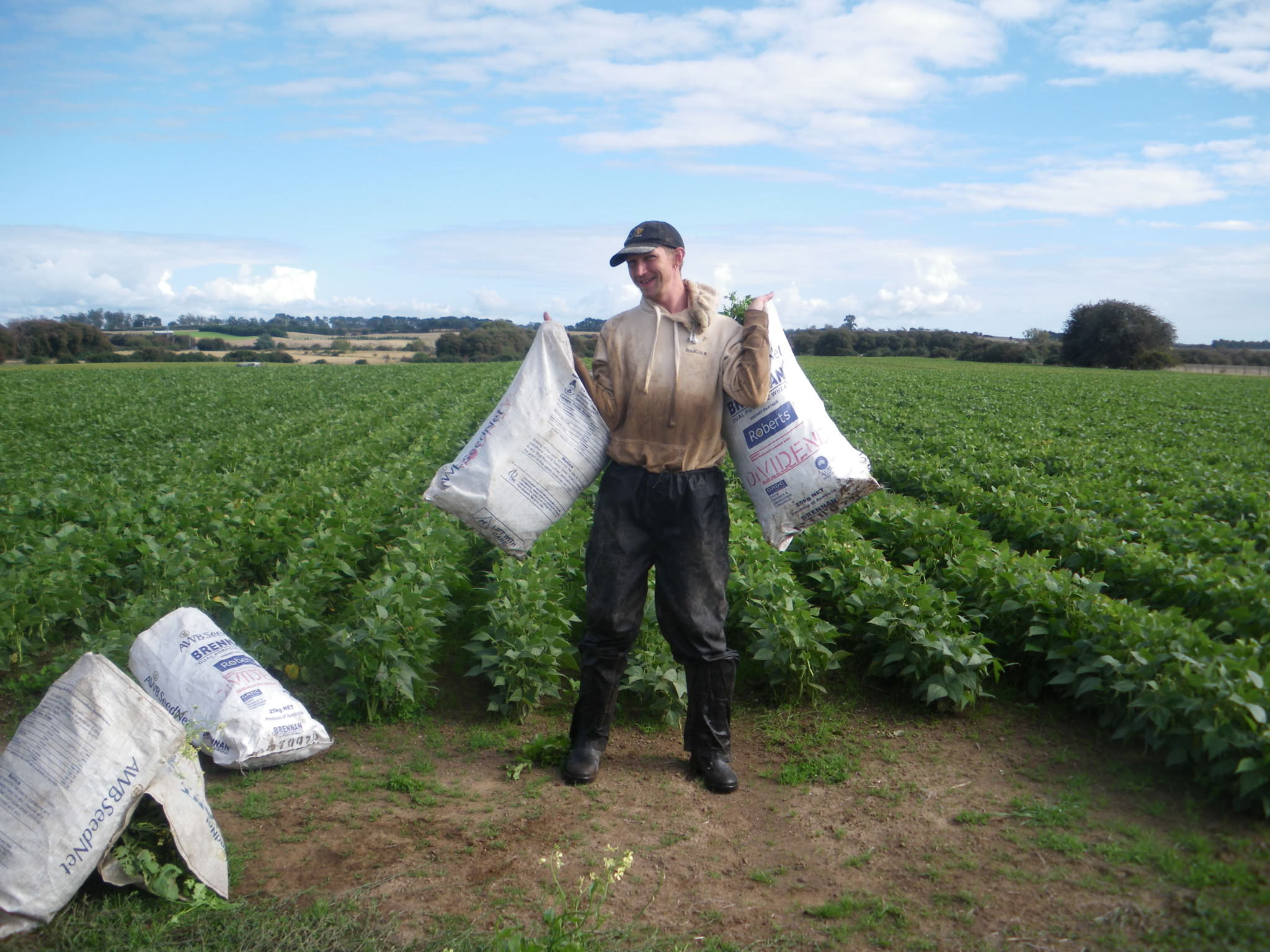 jonny blair working on farms in tasmania