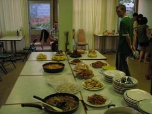 massive food party in tasman backpackers tasmania
