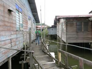 houses on stilts bandar seri begawan brunei