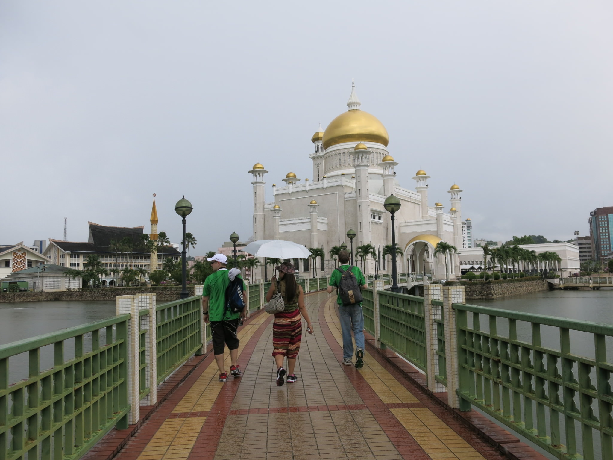 backpacking in brunei mosques bandar