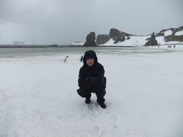 snow blizzard in barrientos antarctica