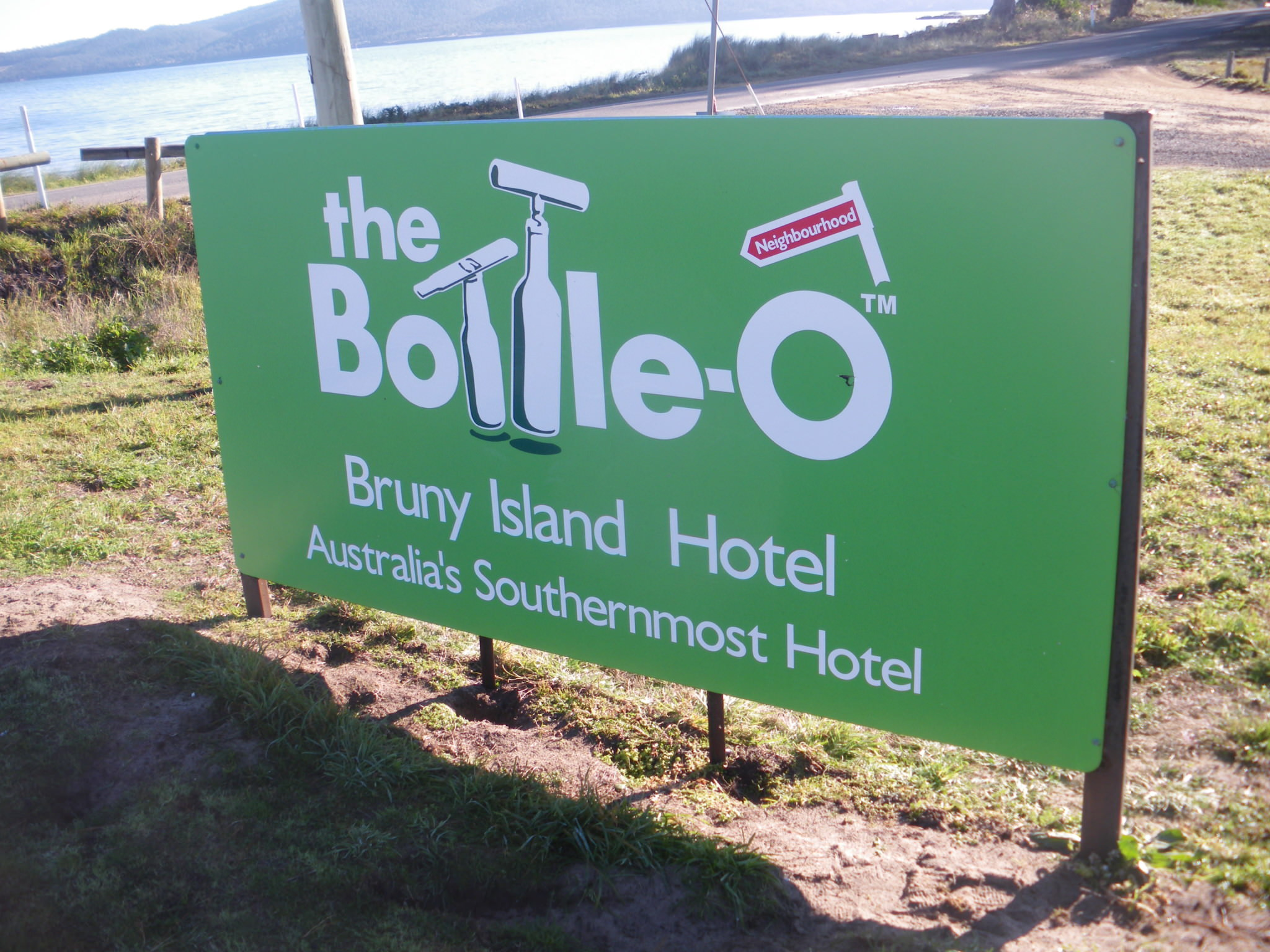 bruny island hotel sign