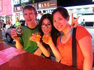 drinking in lianhua lu zhuhai