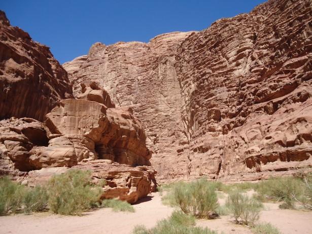 wadi rum jordan hike