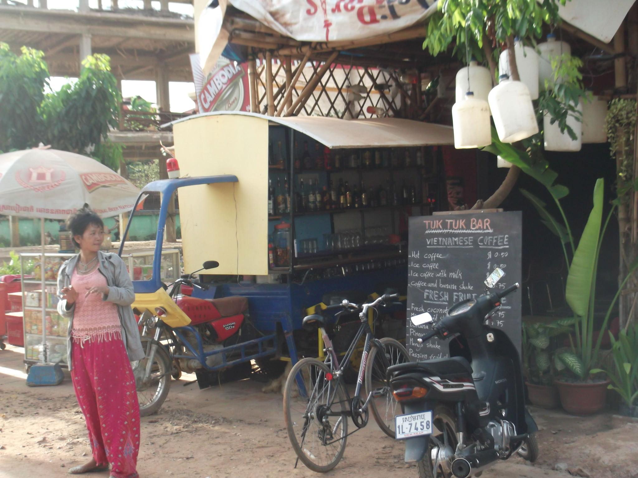 tuk tuk bar siem reap cambodia
