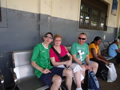 sri lanka trains mum and dad