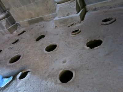 holes in floor haghpat