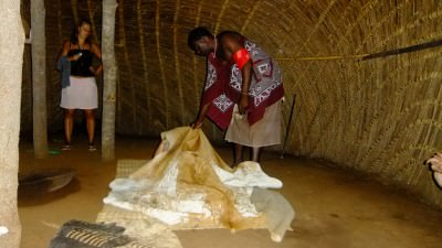 mud hut mantenga swaziland