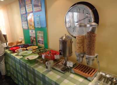abraham hostel breakfast