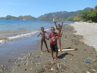 kids in dili east timor