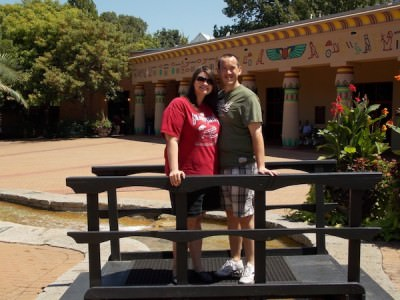 World Travellers - Heather and Chris at Memphis Zoo, USA.