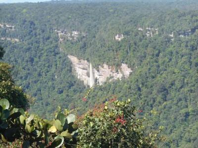 A smaller waterfall near Kaieteur