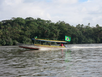 Crossing from Brazil to French Guyana - a boat near St Georges de Loyapock