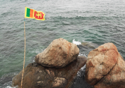Backpacking in Galle - Sri Lankan Flags
