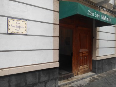 Casa San Ildefonso is located on a quiet street called Calle San Ildefonso in the Historic Quarter.