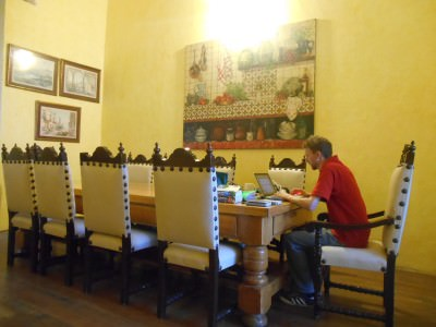"Blogging away in the ""King's Room"" in Casa San Ildefonso, Mexico City."