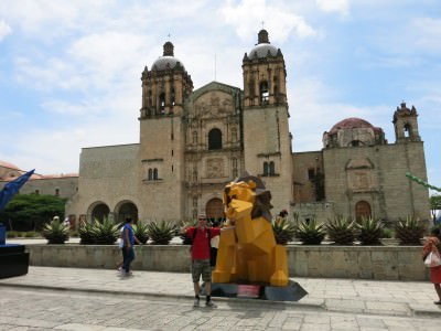 La Betulia is close to Plaza Domingo Square in Oaxaca.