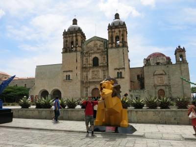 La Betulia is close to Plaza Domingo Square in Oaxaca.