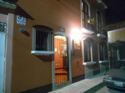 Arrival at Hostal 7 Orejas at night.