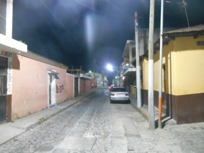 The quiet street, Calle 2a where Hostal 7 Orejas is.