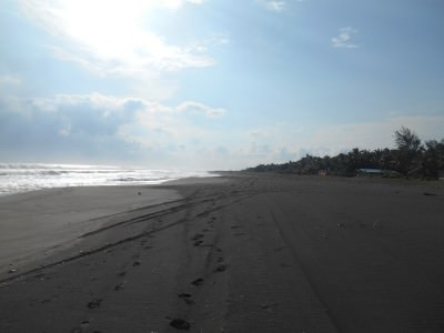 Oh El Salvador - what a glorious coastline at Barra de Santiago!