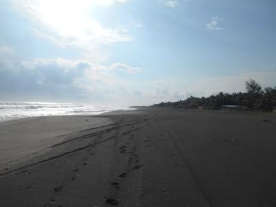 Oh El Salvador - what a glorious coastline at Barra de Santiago!