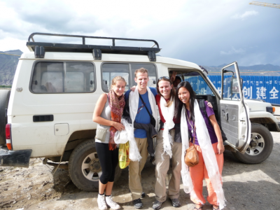World Travellers: Manouk, Bunch of Backpackers.