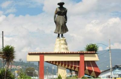 La Marimba Statue in Xela.