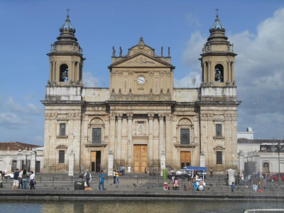 backpacking guatemala city cathedral