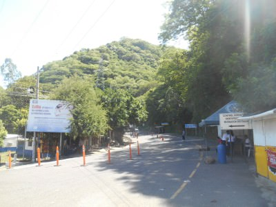 The start of the road from Las Chinamas to San Salvador.