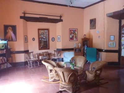 Reception and lounge in Hostal San Angel.
