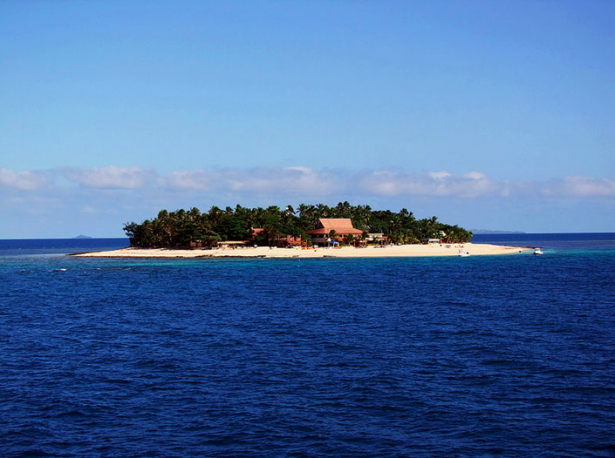 Fiji Islands: White Sand, tranquil beaches and much more