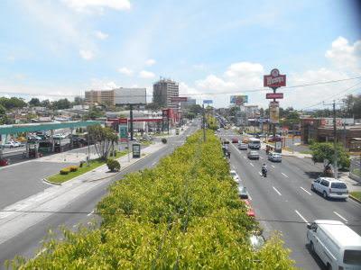 Boulevard de los Heroes, San Salvador, El Salvador.