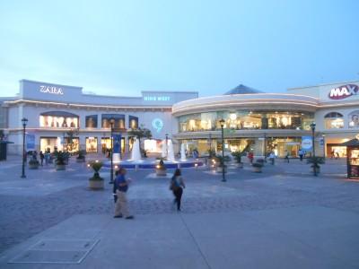 La Gran Via - swanky shopping mall.