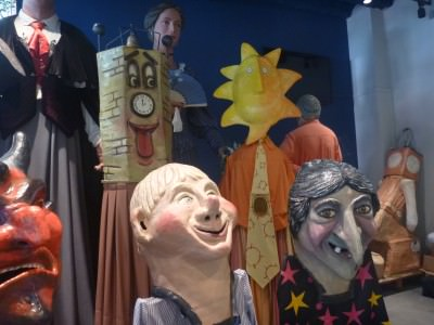 Big heads for the Gracia Festival