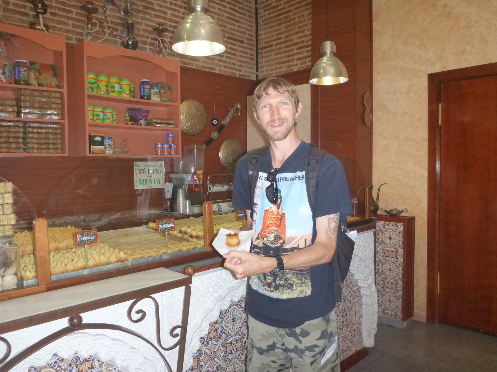 backpacking food tour barcelona