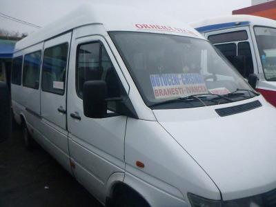 The mini-bus/marshrutka to Orheiul Vechi.