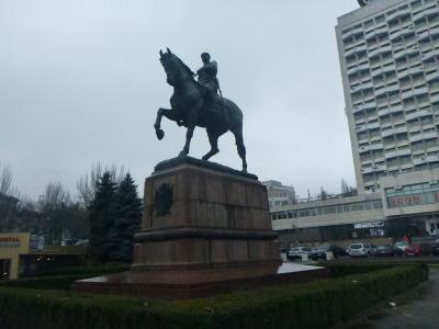 GI Kotovski statue.