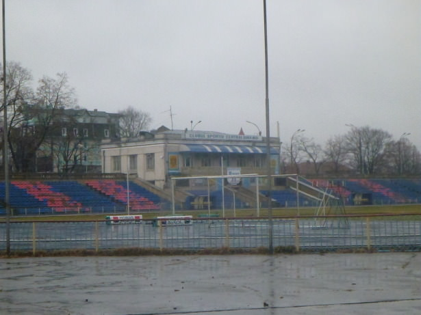 A wet day at Dinamo Stadion.