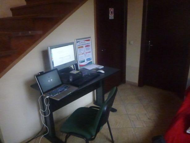 Computer in Peaches.